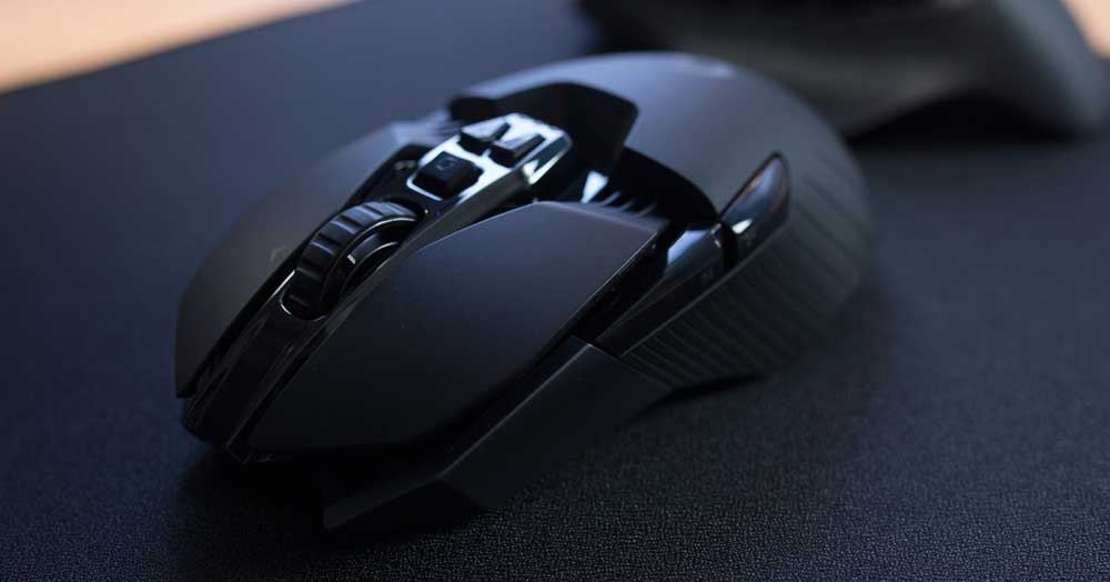Logitech G900 Review (2021): Perfect for Left Hand Gamers?